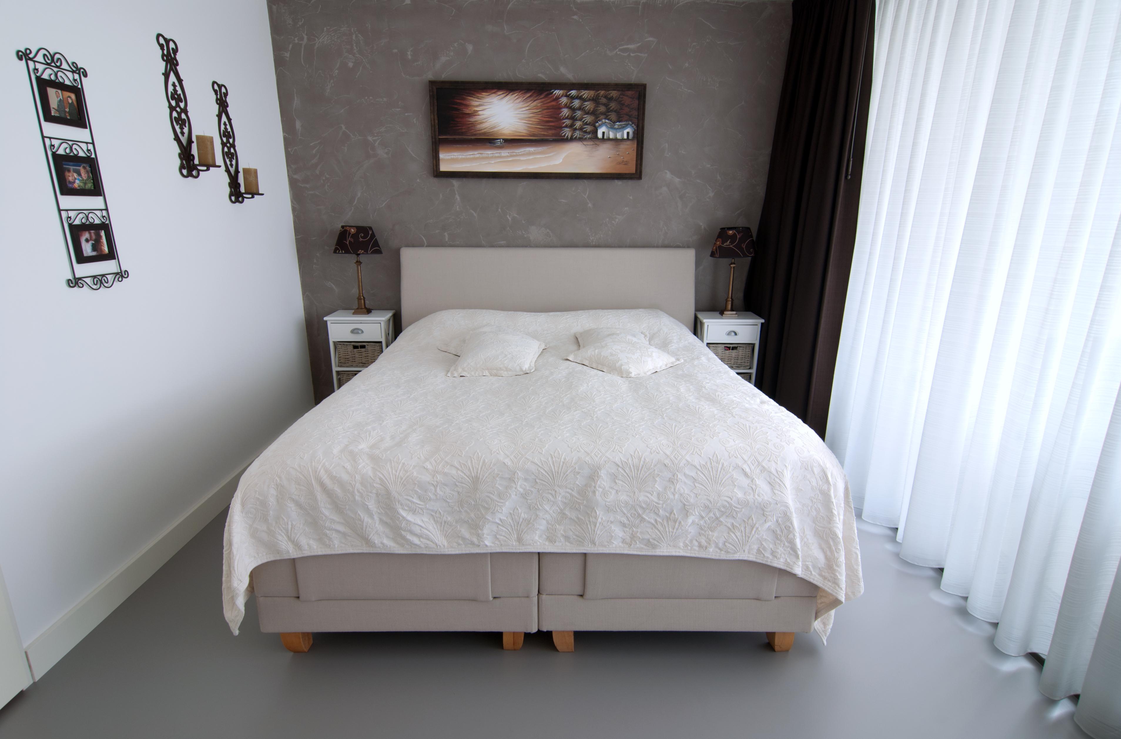Slaapkamer vloer + wand - Cemcolori